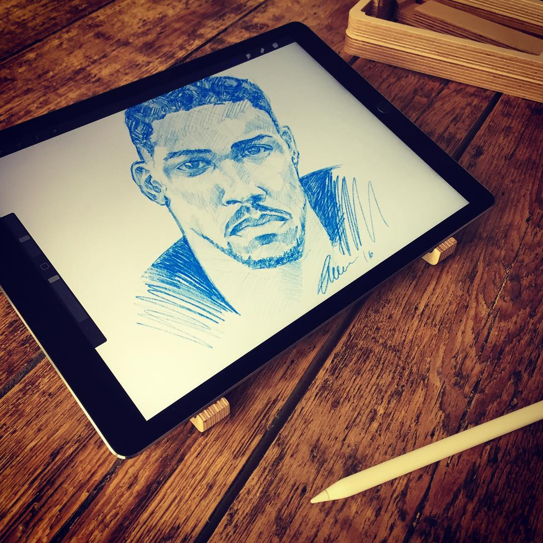 Wishing #anthonyjoshua a win this weekend. Drawing his portrait on an #ipadpro with #applepencil supported by our La-Stand for a perfect #sketching position. . . . . . . . #laptopstand #ipadstand #appleaccessory #instasketch #boxing #artist #sketch #procreate #ipadsketch #fighter #winner #winning #ipadproart